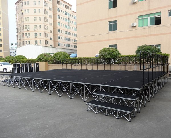 Large Modular Stage System
