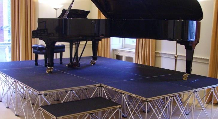 Lightweight Riser Stage Platform